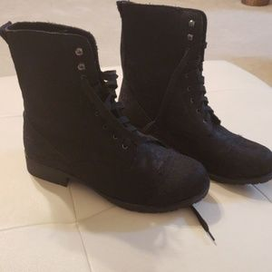 Hot Topic boots